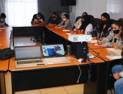 Imparten curso de computación básica para personal de la Presidencia Municipal de Poanas