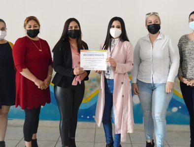 Imparten en Poanas la conferencia 'Empoderamiento Femenino'