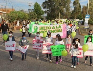 Marchan en Vicente Guerrero contra la violencia hacia niños y mujeres