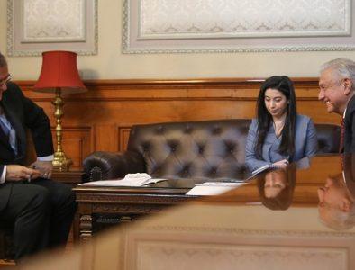 Conversan AMLO y Kamala Harris, vicepresidenta de EU, sobre migración