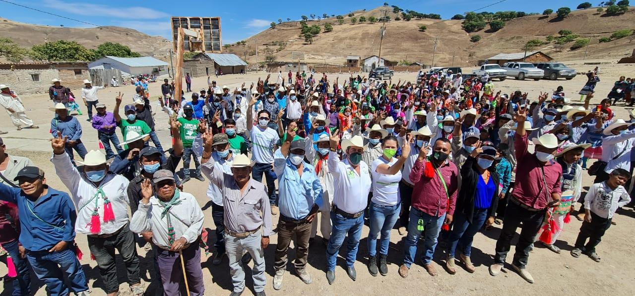 Recorre José Osbaldo Santillán zona sierra de Mezquital; Santiago Teneraca y comunidades aledañas